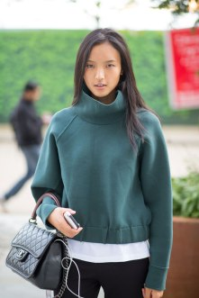 lfw-ss16-street-style-day-1-25