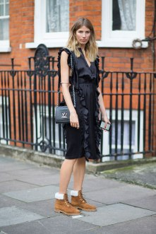 lfw-ss16-street-style-day-1-36